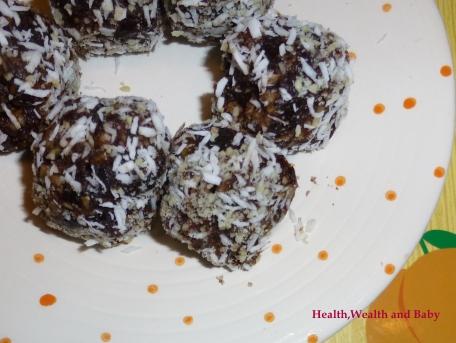 Date coconut rolls